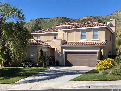 Saugus Single Family Home Active Under Contract: 28523 Redwood Canyon Place