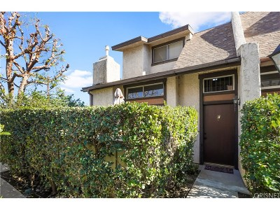 Van Nuys Condo/Townhouse For Sale: 13563 Valerio Street #F