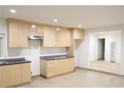 Granada Hills Single Family Home For Sale: 11160 Montgomery Avenue