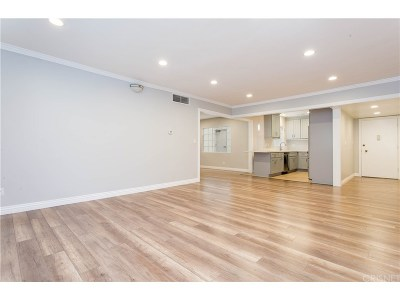 Sherman Oaks Condo/Townhouse Active Under Contract: 15248 Dickens Street #107