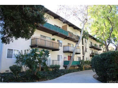 Encino Condo/Townhouse Active Under Contract: 5460 White Oak Avenue #J302