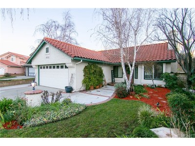 Saugus Single Family Home Active Under Contract: 25552 Pembrook Place