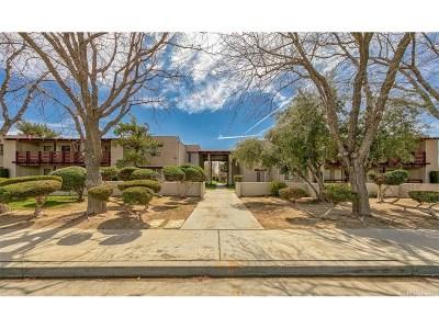 Lancaster Condo/Townhouse For Sale: 2040 West Avenue J13 #30