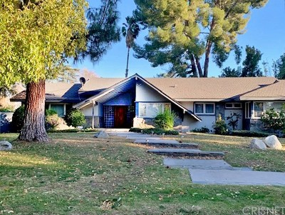 Tarzana Single Family Home Active Under Contract: 5160 Donna Avenue