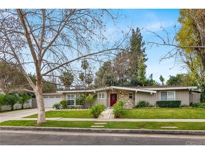 Woodland Hills Single Family Home Active Under Contract: 4735 Degovia Avenue