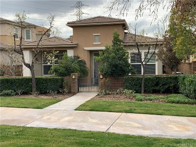 Valencia Single Family Home Active Under Contract: 23762 Maple Leaf Court