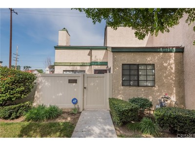 Northridge Condo/Townhouse For Sale: 19620 Roscoe Boulevard #A