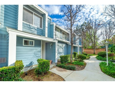 North Hills Condo/Townhouse For Sale: 15735 Nordhoff Street #3