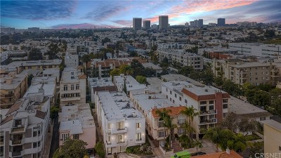 Los Angeles County Condo/Townhouse Active Under Contract: 1917 Manning Avenue #2