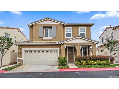 Newhall Single Family Home Active Under Contract: 27112 Eden Court