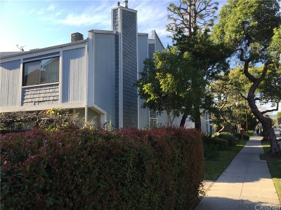 Santa Monica Condo/Townhouse Active Under Contract: 2428 28th Street #7