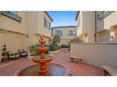 Encino Condo/Townhouse For Sale: 5753 White Oak Avenue #18