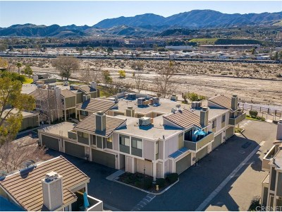 Canyon Country Condo/Townhouse Active Under Contract: 27063 Crossglade Avenue #6