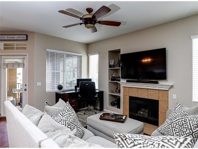 Canyon Country Condo/Townhouse For Sale: 17955 Lost Canyon Road #33