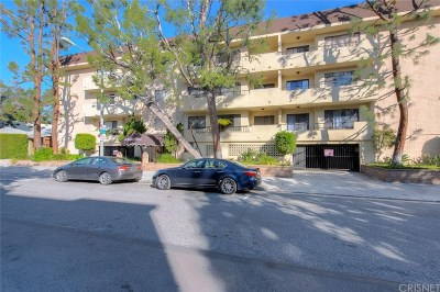 Los Angeles County Condo/Townhouse For Sale: 700 Westmount Drive #306