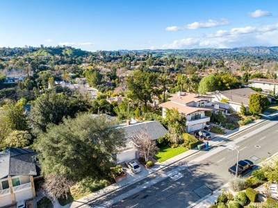 Calabasas CA Single Family Home Active Under Contract: $1,175,000