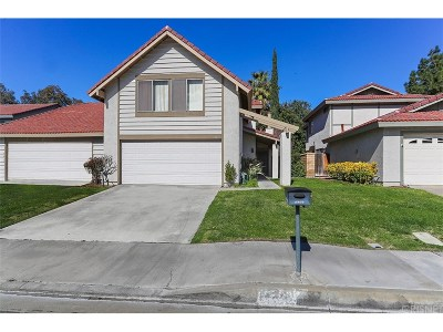 Canyon Country Condo/Townhouse For Sale: 15839 Rosehaven Lane