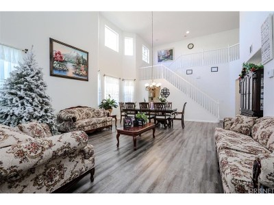 Palmdale Single Family Home For Sale: 38200 Marsala Drive
