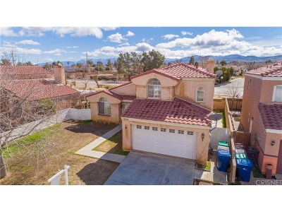 Palmdale Single Family Home For Sale: 1908 Apricot Drive