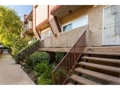 Northridge Condo/Townhouse For Sale: 18342 Malden Street #7