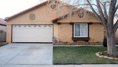 Palmdale Single Family Home For Sale: 3558 Avocado Lane