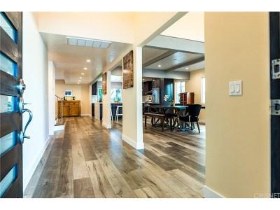 Los Angeles County Single Family Home For Sale: 6321 Balcom Avenue