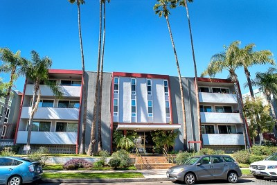 Sherman Oaks Condo/Townhouse For Sale: 4915 Tyrone Avenue #220