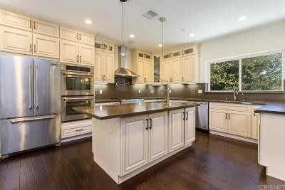 Woodland Hills Single Family Home For Sale: 21468 De La Osa Street