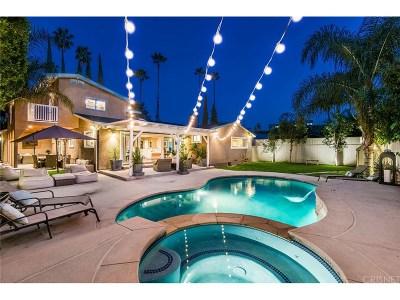 Single Family Home For Sale: 4937 Hayvenhurst Avenue