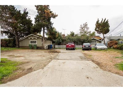 Panorama City Single Family Home Active Under Contract: 8945 Kester Avenue
