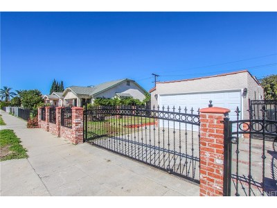 Los Angeles County Single Family Home For Sale: 1427 West 66th