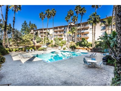 Glendale Condo/Townhouse Active Under Contract: 1517 East Garfield Avenue #77