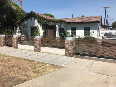 Single Family Home For Sale: 332 North Doheny Drive