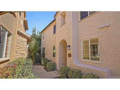 Saugus Condo/Townhouse Active Under Contract: 28416 Santa Rosa Lane