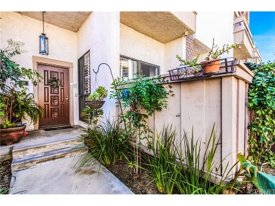 Encino Condo/Townhouse Active Under Contract: 5533 Edward E Horton Lane #9