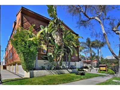 North Hollywood Condo/Townhouse Active Under Contract: 4821 Riverton Avenue #3