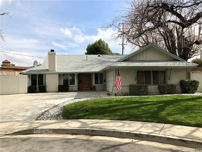 Saugus Single Family Home Active Under Contract: 27900 Pinebank Drive