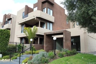 Canoga Park Condo/Townhouse For Sale: 7826 Topanga Canyon Boulevard #206