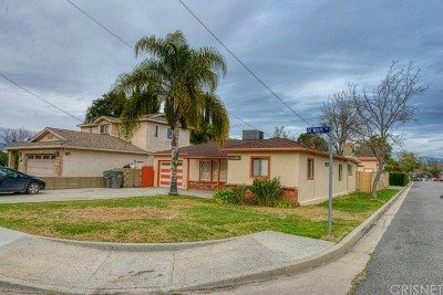 Newhall Single Family Home Active Under Contract: 25202 De Wolfe Road