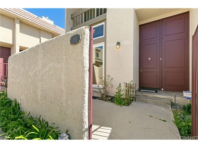 Chatsworth Condo/Townhouse For Sale: 9950 Topanga Canyon Boulevard #35