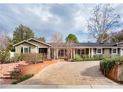 Woodland Hills Single Family Home Active Under Contract: 5150 San Feliciano Drive