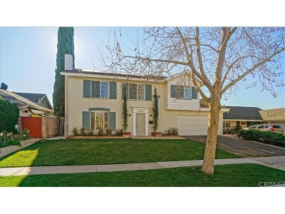 Saugus Single Family Home Active Under Contract: 21220 Alaminos Drive