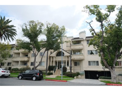 Glendale Condo/Townhouse Active Under Contract: 400 West California Avenue #210