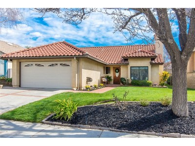 Saugus Single Family Home Active Under Contract: 25464 Sheffield Lane