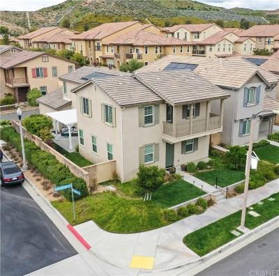Valencia West Creek (VLWC) Single Family Home Active Under Contract: 28407 Vista Del Rio Drive