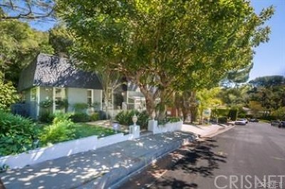 Encino Single Family Home For Sale: 17135 Clemons Drive