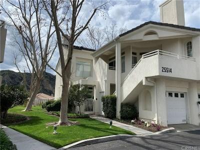 Stevenson Ranch Condo/Townhouse For Sale: 25514 Hemingway Avenue #C