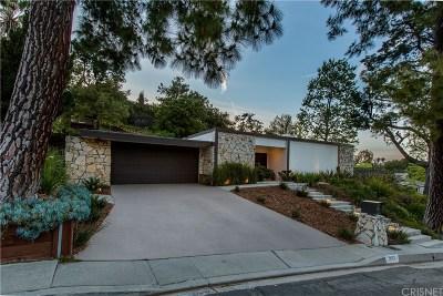 Encino Single Family Home Active Under Contract: 3623 Green Vista Drive