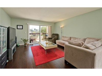 Los Angeles County Condo/Townhouse For Sale: 1037 North Vista Street #201