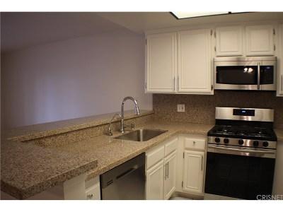 Canoga Park Condo/Townhouse For Sale: 6825 Alabama Avenue #218